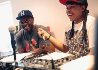 Dj Jazzy Jeff on R2 RADIO